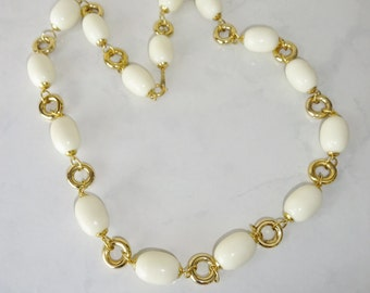 Vintage Necklace Chunky Cream Off White Beads Gold Toned Metal Necklace Korea