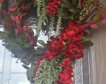 GORGEOUS RED WREATH