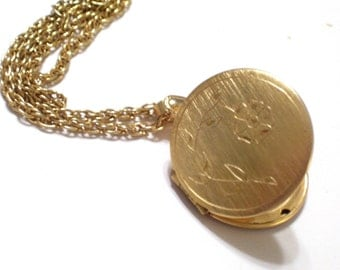 Etched Floral Locket, Vintage Flower Locket, Engraved Gold Plated Locket, Gold Floral Locket, Gold Round Locket Pendant Necklace