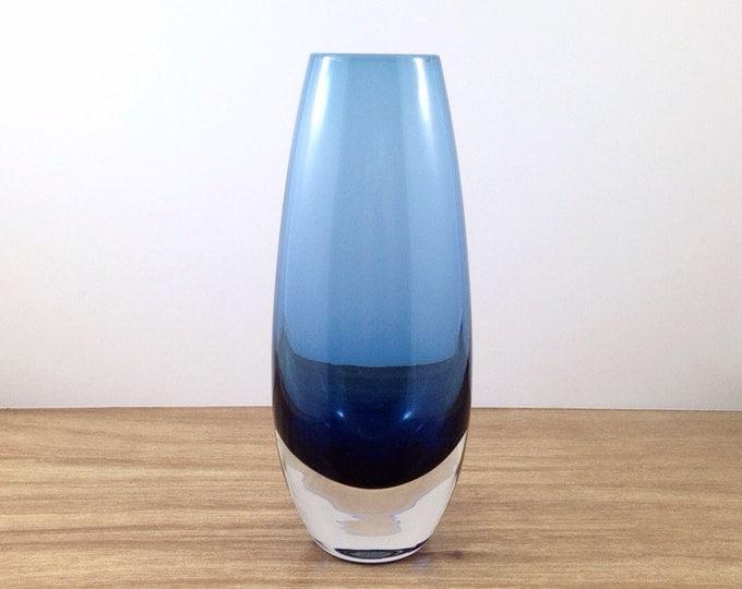 Vintage Vicke Lindstrand Kosta Vase. Sweden Swedish Blue Glass Vase. Scandanavian Sommerso Vase. Smooth Tall Blue Vase. Mid Century Mod.
