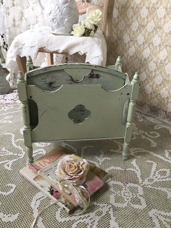 shabby magazine rack magazine holder stand bathroom. Black Bedroom Furniture Sets. Home Design Ideas