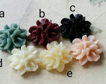 12 mm Resin Cluster Flower Cabochons (.s)
