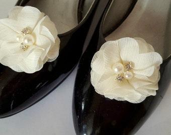 Shoe Clips, Ivory Flower Shoe Clips, Bridal Shoe Clips, Wedding Shoe Clips, Clips for Wedding Shoes, Bridal Shoes, Shoe Clips Only, Ivory