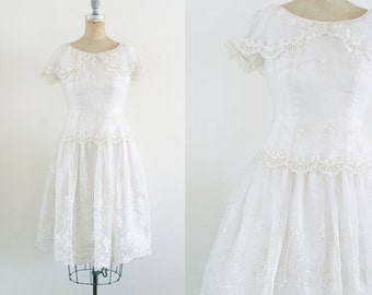 Vintage 1960s 1950s Short Wedding Dress 50s Lace Wedding Dress Tea Length Wedding Dress Drop Waist Pearl Sequin Ivory Beaded