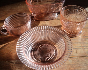 4 Vintage Pieces of Pink Depression Glass,  An Instant  collection of vintage pink glass bowls and containers in very good condition