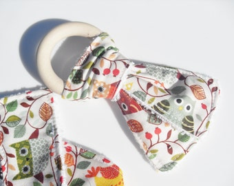 Wooden Teething Ring with 2 Forest Owls 100% Cotton Strips with Antibacterial Bamboo Towelling in Baby Neutral