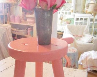 Viintagestool  farmhouse  pink  wood  side table  stool