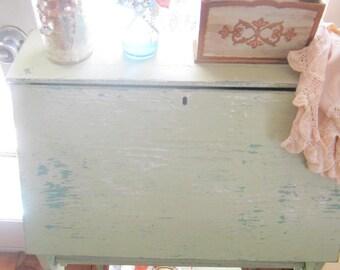 Desk shabby chic chippy minty green shabby   Prairie cottage