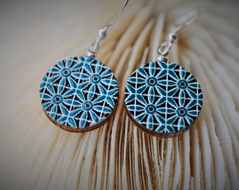 WOOD Dangle Earring - EMBOSSED Geometry Turquoise Mosaic Pattern ~ 16 mm - Women/Elegant/Modern