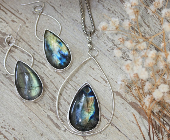 LABRADORITE SET- Labradorite Earrings and Necklace Set- 925 Sterling silver Jewellery Set- Crystal Jewellery- Labradorite Crystal- Bespoke