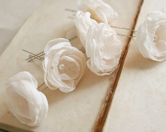 Ivory Flower Hair Pins, Ivory Hair Flowers, Ivory Bridal Hairpiece, Flowers For Hair, Cream Flower, Floral Hair Pins, Wedding Hair Accessory