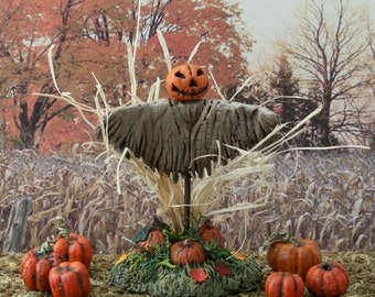 Miniature Scarecrow for Thanksgiving Harvest Display or Halloween Village