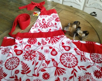 Suzanni Apron Red and White Christmas World Market Tump Tumpity Tum