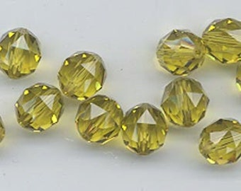 Twelve Swarovski crystals - art 5025 - 8 mm - lime
