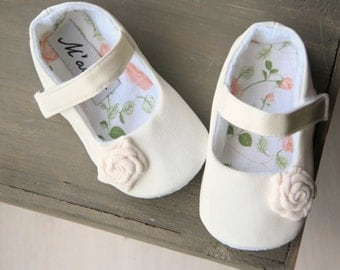 Ivory flower girl shoes, Ivory baby shoes, white baby shoes, christening shoes, ivory toddler girl shoes, ivory ballerina shoes, cream shoes