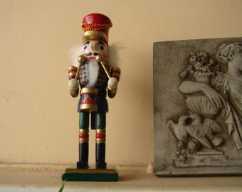 vintage,painted wooden drummer soldier,Christmas Nutcracker 19.5 cms. 7 3/4'' tall,blue red green drummer