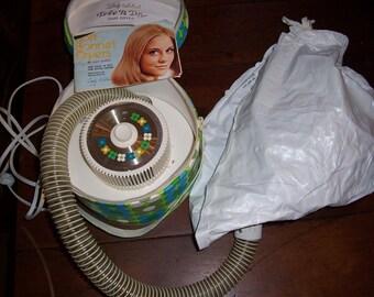Vintage 1970's Lady Schick Tote N Dry Hair Dryer...Mid Century Mod Flower Power Working Hair Dryer...