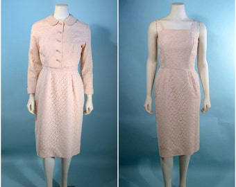 "Vintage 50s Soft Pink Lace Wiggle Dress + Jacket Peter Pan Collar/Wedding Party Day to Evening Suit/Rhinestone Buttons 2 Piece Set 25"" Waist"