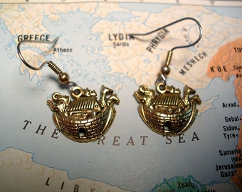 Noah's Ark   Gold Tone Earrings . Hypoallergenic