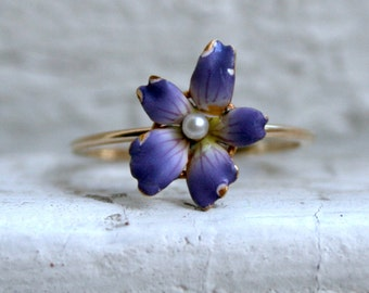 Sweet Vintage 14K Yellow Gold Enamel Flower Ring with Pearl Center.