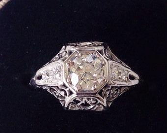 SALE! Art Deco 1920's / 0.65 carat PLATINUM filigree Old European cut Diamond ring / Engagement ring Wedding ring