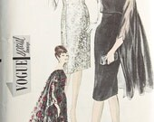 Vogue 5648 Very RARE UNCUT Sewing Pattern  Evening Dress and Cape Size 14 Bust 34
