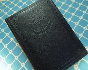 The New Century Dictionary - Volume One - 1946