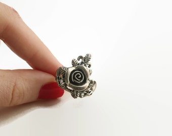 Vintage Sterling Silver Rose Ring
