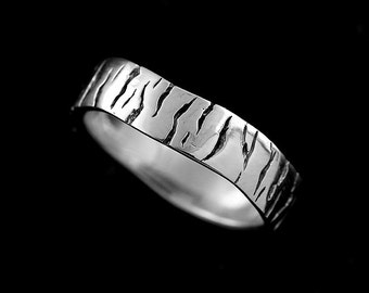 Unique Men's Wedding Band, Eternity Men's Ring, Tree Bark Men's Wedding Ring, Black Antique Finish Men's Band, 5.5mm Silver Men's Band
