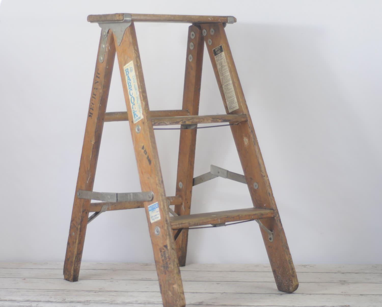 vintage 3 foot wood ladder step ladder perfect step ladder. Black Bedroom Furniture Sets. Home Design Ideas