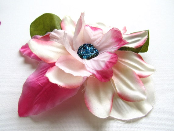 Large Pinup Hair Flower Accessory Ladies White and Pink Vintage Style Hair Clip Bridal Fashion Hair Brooch Hat Pin Accessory