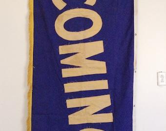 Vintage coming banner