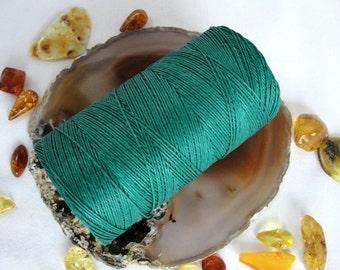 16,5 YARDS / 15 metres EMERALD GREEN   waxed  linen  thread, 3-Ply (1mm)
