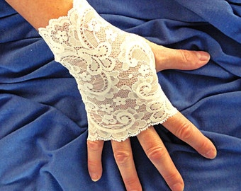 Ivory Lace Gloves  - Lace Fingerless Gloves - Stretch Lace Gloves .