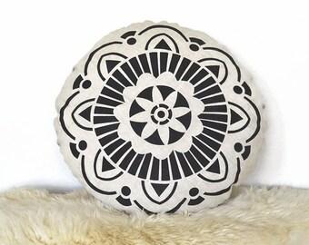 Modern Medallion Round Pillow Cover - Natural /Black