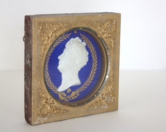 1830s Wedgwood style Portrait Plaque Gold Gilt Wood Frame