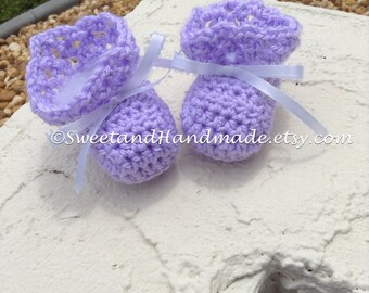 Crochet baby girl baby booties newborn booties lilac lavender baby girl booties MADE TO ORDER
