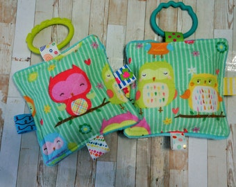 Baby Girl Toys, SET of  2, Owls, Crinkle toys, teething links included, 5 inch.  Perfect for busy Babies they love these.