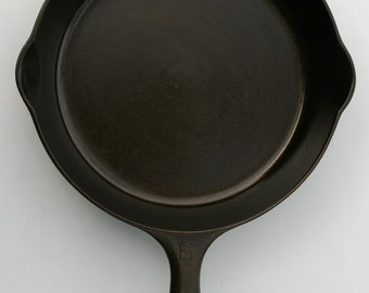 Vintage FINE GRISWOLD No. 6 Cast Iron Culinary Chefs Fry Pan Skillet Professionally Cleaned & Seasoned Organically Ready to Use