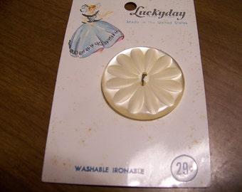 Vintage Luckday Big White Flower Button Original Card
