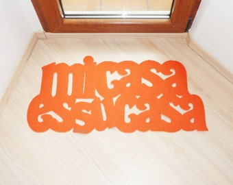 Original home decor: Mi casa es su casa floor mat. Custom doormat. Welcome sign.
