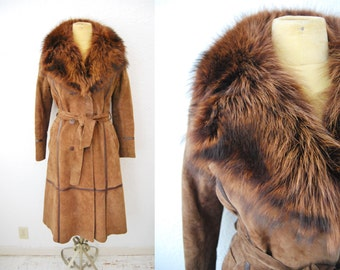 Vintage 1970s Brown Suede Leather Fox Fur Collar Trench Coat Jacket Long Winter Trend Womens