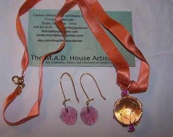 Opalescent Glass Pendant in Copper net with Double-sided Silk Ribbon and Matching Earrings
