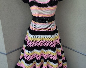 Retro striped dress with full circle skirt