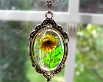 Real Flower Necklace Yellow Pressed Flower Necklace Miniature Sunflower Jewelry Vintage Victorian Antique Silver Statement Eco Resin Pendant