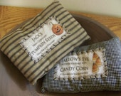 Set of 2 Primitive Black Homespun Pillow Tucks