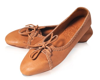 SASHA. Leather ballet flats / womens leather loafers / leather flats shoes / womens shoes / lace up shoes. Womens flat shoes. Sizes US 5-14