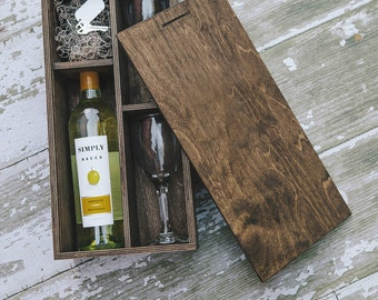 Custom set of 17 - Laser Engraved Wine Box - (2 wine glasses included in the box) - FEDEX Ground - Gift dropship