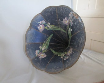 GRAMOPHONE HORN, Vintage Hawthorne and Sheble Phonograph Flower Horn, complete horn
