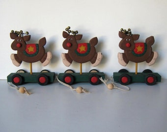 Lot of 3 Reindeer pull toys, Tree ornaments, Primitive Folk Art, Vintage toys, Christmas Decorations, gift idea